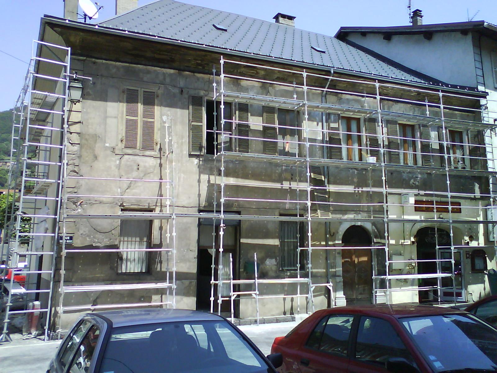 Façade Crépi Projection Mécanique Isolation Par L'extérieur Lasure Avant Toit Boiserie
